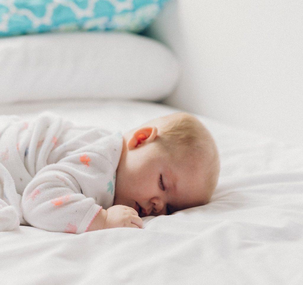 Aromaterapia Camera Da Letto oli essenziali per la camera da letto dei bambini | inherba